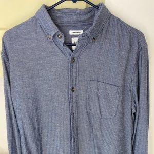 Men's medium gap long sleeve blue button down